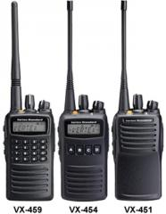 Radio Comercial SERIE VX-450